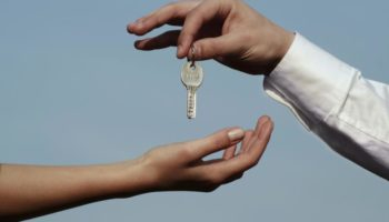 Договор безвозмездной аренды квартиры: как составить и оформить