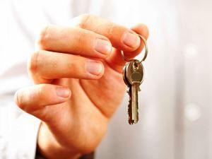 Можно ли выселить из квартиры прописанного человека