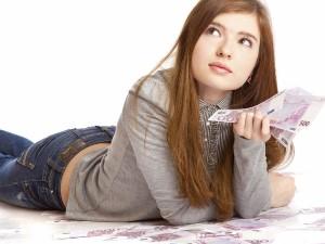 Нужно ли платить алименты на ребенка после 18 лет
