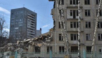 Реновация «хрущевок» в Москве и Санкт-Петербурге