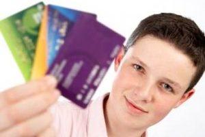Какие кредитные карты предлагают банки для молодежи